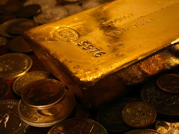 Gold performs well in long run